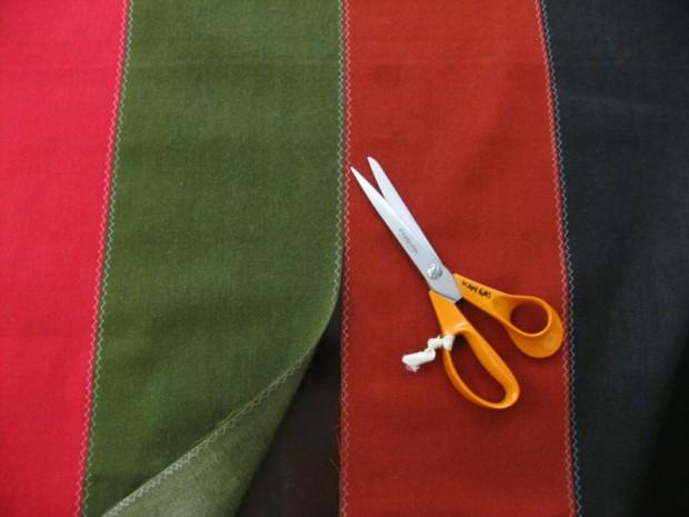 Näistä tilkuista ommellaan Etelä-Pohjanmaan naisen kansallispuvun tasku.
