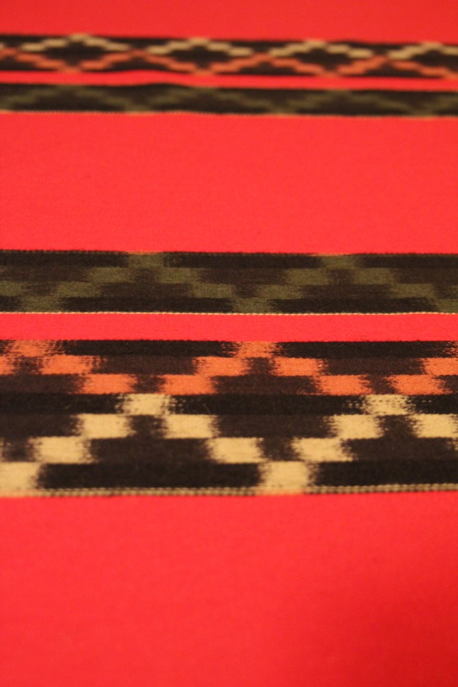 Etelä-Pohjanmaan naisen kansallispuku, käsinkudottu parkkumi, flammu, peräseinäjoen naisen kansallispuku