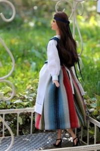 Fantasiapuku Paraisten hamekankaalla Barbielle, kuva Jenni Koskela.