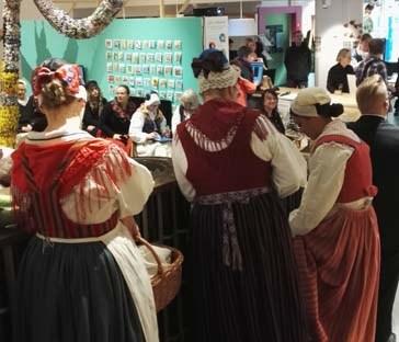 kansallispuku, kansallispuvun juhlapäivä, käsityön museo