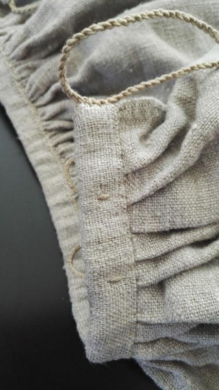 kansallispuvun alushame, pellavapalttina, vuoripellava
